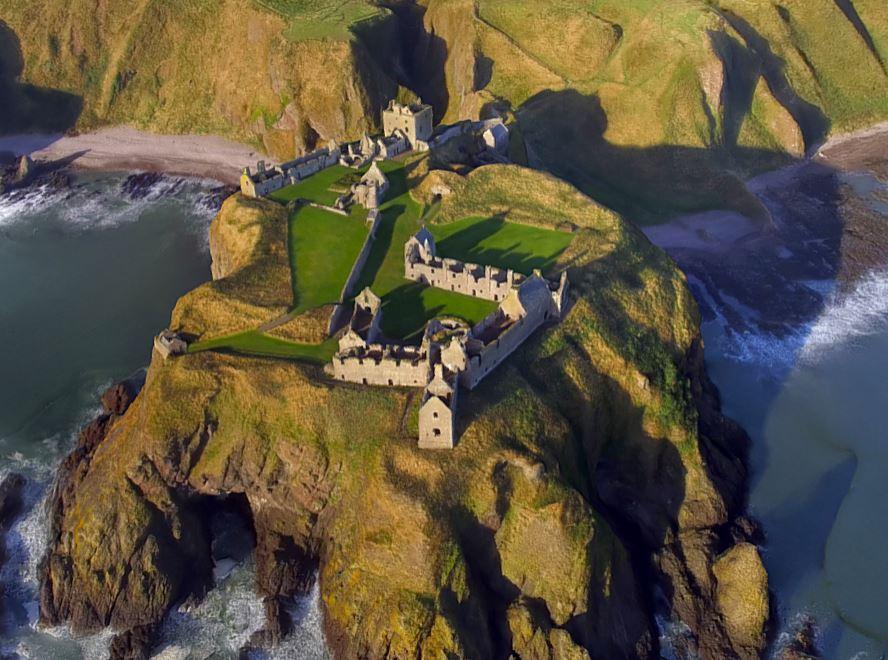 دانلود پروژه طراحی قلعه باستانی